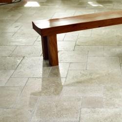Bodenplatten, Travertin, Nussbraun, in römischen Verbänden