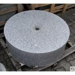 Brunnenstein Granit grau
